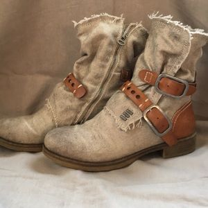 Dirty Laundry Canvas MOTO Boots